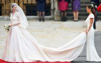 نصائح عند اختيار فستان زفاف بذيل طويل
