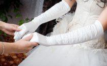 كيف تختارين القفازات المناسبة لحفل زفافك؟