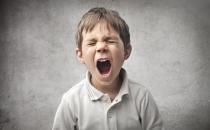 كيف تتصرفين مع طفلك العصبي؟