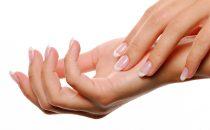 حلول طبيعية للتخلص من تجاعيد اليدين