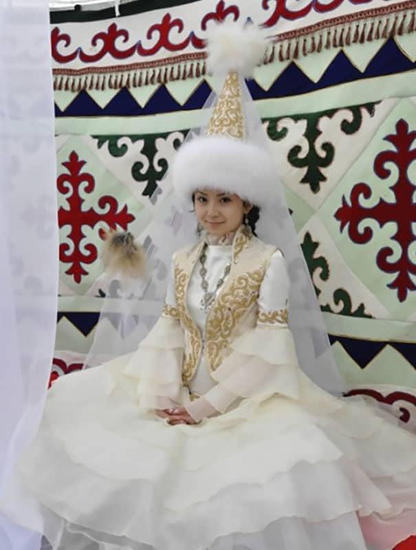 لباس العروس في كسغستان