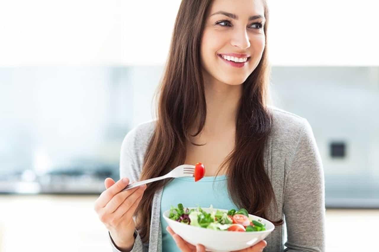 أهمية تناول الطعام بالمنزل