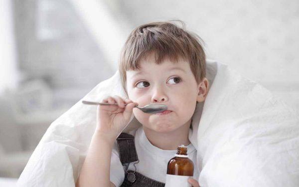 تعرفي على أعراض وطرق علاج طفلك من السعال الديكي