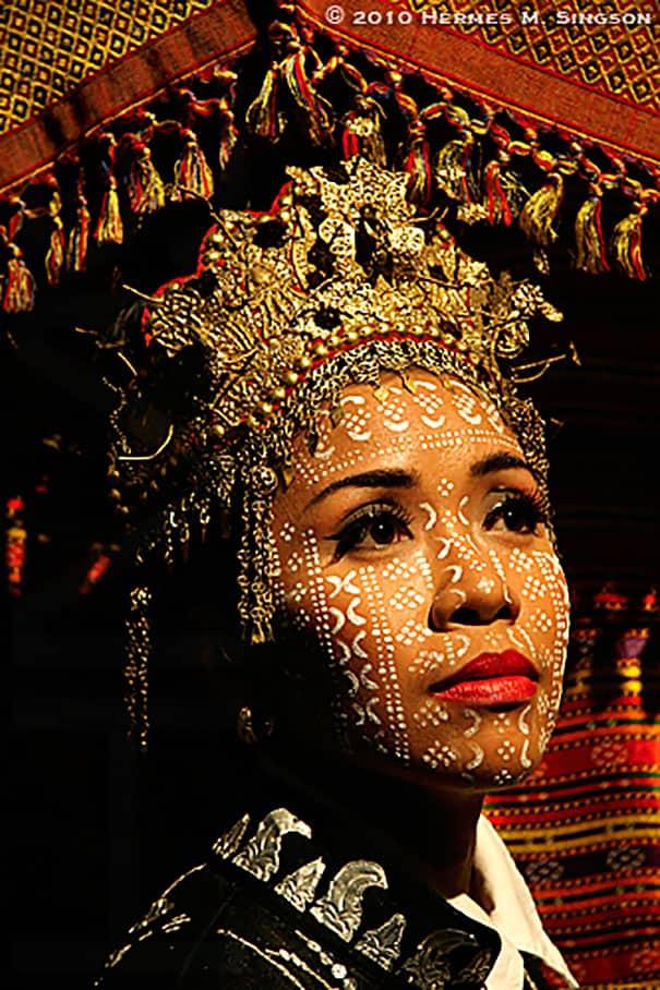لباس العروس في الفيلبين