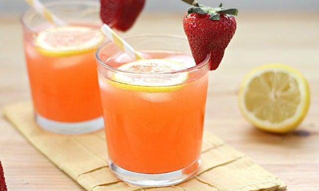 الفراولة و عصير الليمون