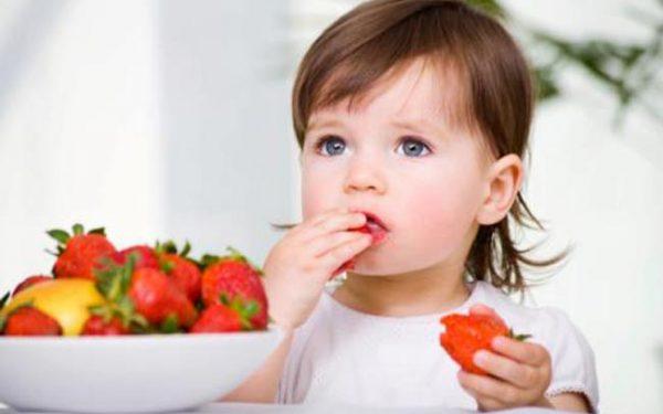 تأكدي من حسن تغذية طفلك في مرحلة الحضانة