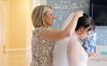 لا تستغني عن نصائح والدتك خلال تحضيراتك لحفل الزفاف