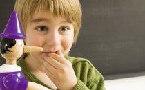 تعرفي على أسباب وطرق علاج الكذب عند الأطفال والمراهقين
