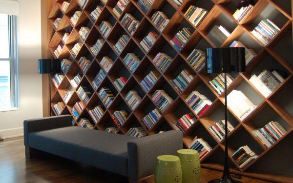 طرق مبتكرة لتنظيم مكتبة منزلك