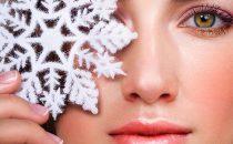 كيف تتخلصين من قشور الوجه البيضاء خلال الشتاء؟