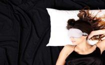 إليك التسريحة المناسبة لشعرك عند النوم