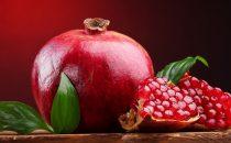 جربي وصفات الرمان لبشرة نقية وصحية