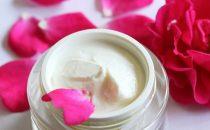 إليك طريقة صنع كريم الورد الطبيعي لمقاومة شيخوخة البشرة