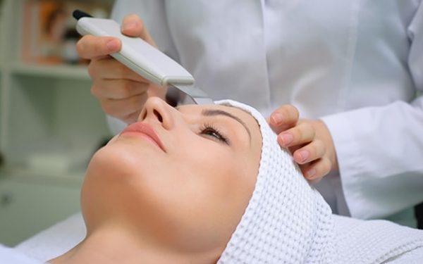 اتبعي هذه النصائح قبل عملية إزالة الشعر الزائد