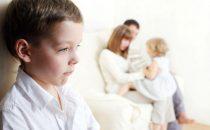 كيف تعالجين الغيرة عند الأطفال؟