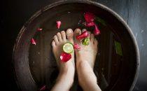 خطوات بسيطة للحصول على رائحة أقدام زكية