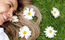 تعرفي على فوائد البابونج الجمالية على صحة الشعر
