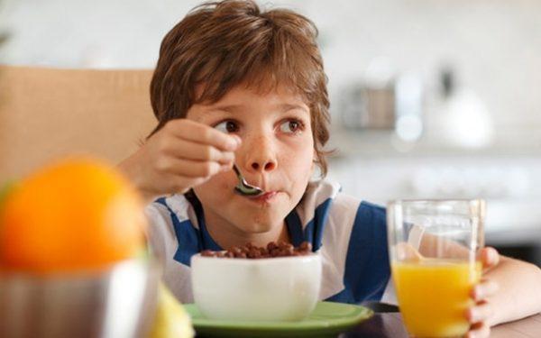 الأسباب النفسية التي تؤدي إلى زيادة الوزن عند الطفل