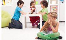 كيفية التعامل مع الخجل لدى الأطفال