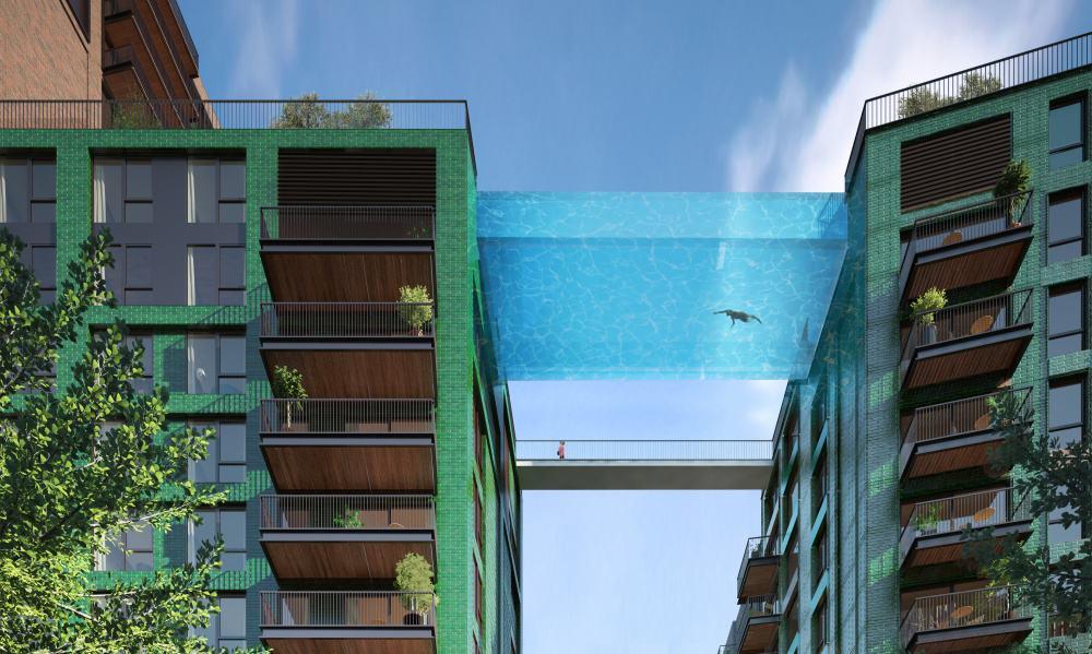 حوض السباحة المعلق في انجلترا