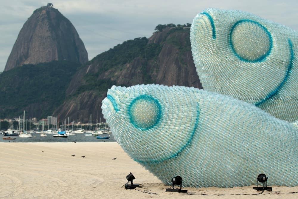 آلاف القوارير البلاستيكية لصنع الجمال والفن في البرازيل