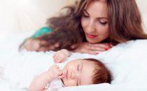 تعفي على عدد ساعات نوم الطفل حسب عمره