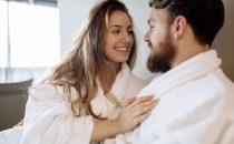 الخوف والخجل أثناء العلاقة الحميمة.. ما الحل؟