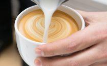 تعرفي على أضرار القهوة بالحليب