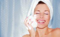 إليك طريقة بسيطة لعمل صابونة طبيعية لتفتيح البشرة