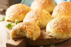 ألذ وصفة خبز بالجبن يمكنك القيام بها في المنزل