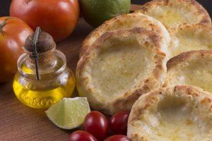 أسهل وصفة لتجهيز وصفة المناقيش بجبنة الغودا