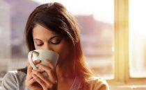 تعرفي على مضار شرب الشاي بعد الأكل مباشرةً