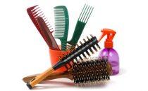كيف ننظف أمشاط الشعر و الفرش؟