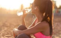 فوائد شرب الماء على الشعر و البشرة