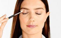 أساسيات تطبيق ظلال العيون على طريقة المحترفات