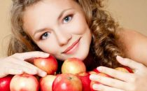 تعرفي على ماسكات التفاح للعناية بالبشرة الدهنية