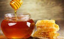 فوائد العسل لنمو الشعر وتغذيته