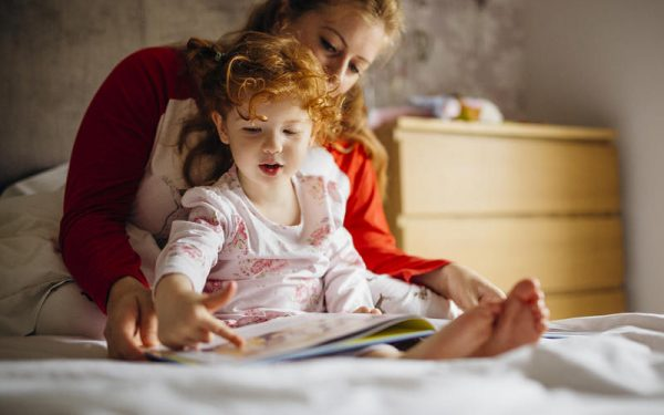نصائح لتحفيز وتشجيع طفلك على النوم بغرفته