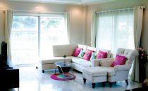 أفكار ديكور تجعل غرفة المعيشة تبدو أوسع