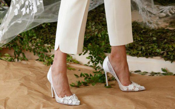 بالصور: أجمل موديلات الأحذية للعروس الكلاسيكية