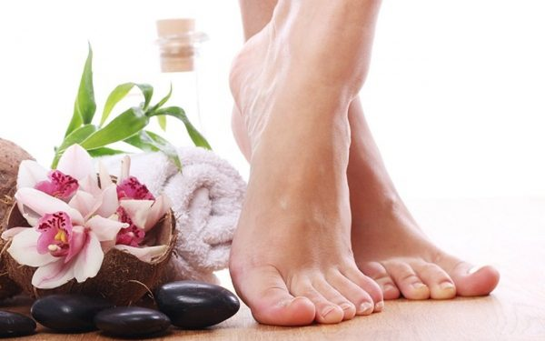 اتبعي هذه الخطوات للحفاظ على صحة وجمال قدميك
