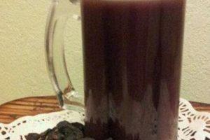 أسهل طريقة لتجهيز عصير الزبيب الأسود