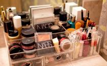 تجنبي استخدام أدوات التجميل في هذه الحالات