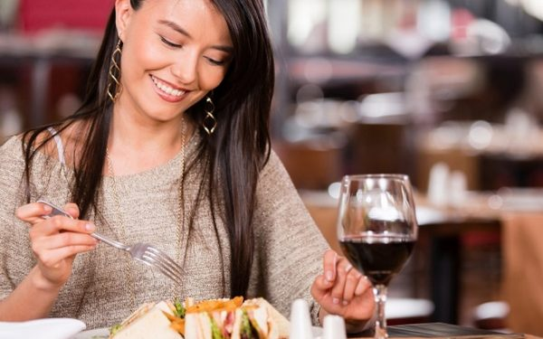 ما هي أفضل الأوقات لتناول الطعام؟