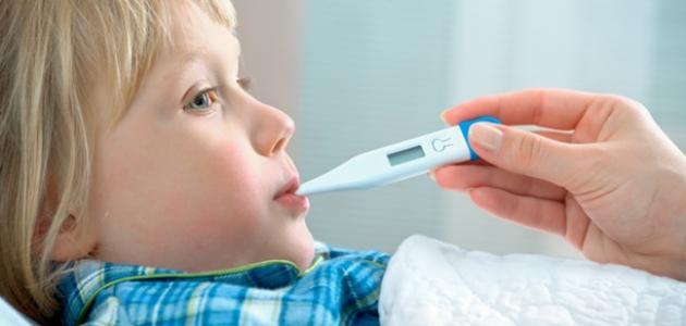 تعرفي على الإسعافات الأولية لخفض حرارة الطفل