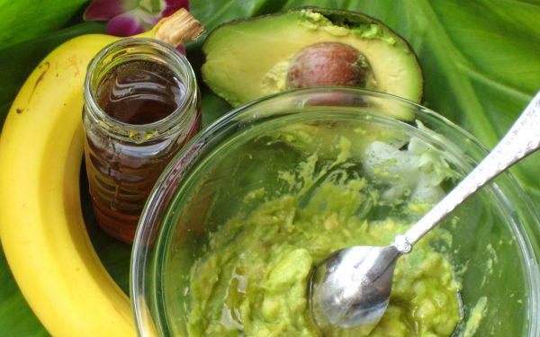 ماسك الأفوكادو الموز لعلاج الشعر التالف