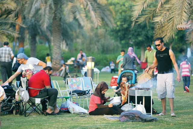 Eid al-Adha, families Parks at Cornish Abu Dhabi, October 26 2012. Photo by Magdy Iskander