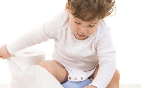 أغذية تساعد طفلك في التخلص من الإمساك