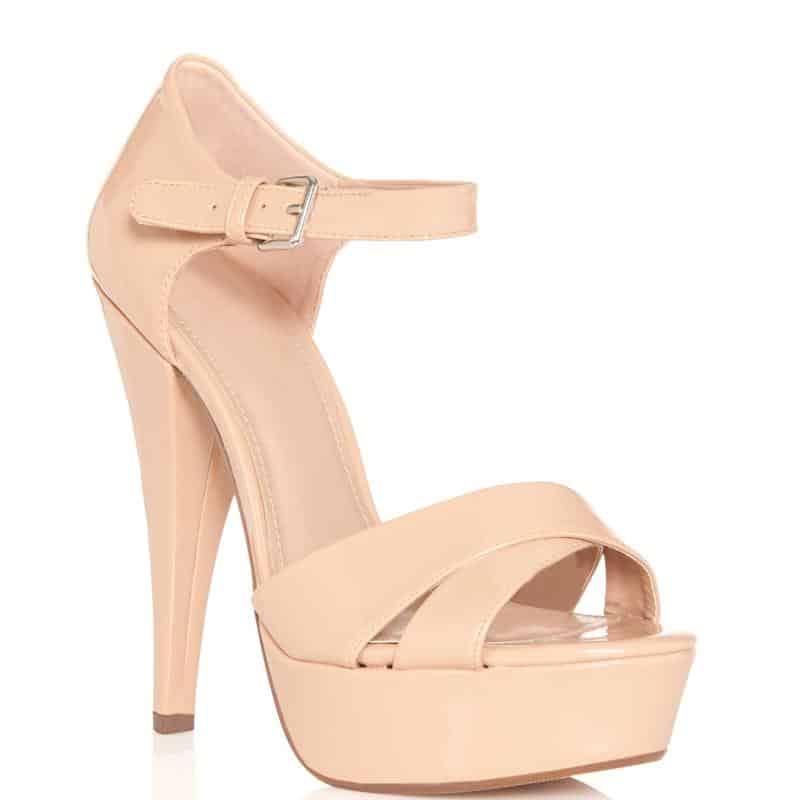 أحذية كعب بلون الجلد