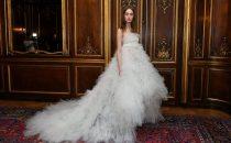 بالصور: أبرز تصاميم فساتين الزفاف من أسبوع الموضع للعرائس لربيع 2018